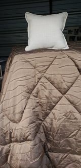 queen comforter, NEW in Fort Rucker, Alabama