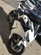 2014 cbr 1000rr in 29 Palms, California