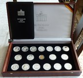 United Germany (999/1000 Silver) Medallions (18ea) & Wood Case in Ramstein, Germany