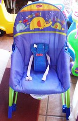 Fisher Price infant to Toddler Vibration Baby Rocker & Bed in Alamogordo, New Mexico