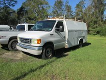 2004 FORD E-350 SUPER DUTY UTILITY WORK TRUCK in bookoo, US