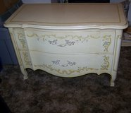 Burnettes Heritage table with drawers in Barstow, California