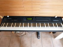 Alesis QS8.1 Synthesizer with case in Ramstein, Germany