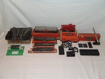 Vintage Lionel Train Cars Tracks Switches O Gauge ++ in Bolingbrook, Illinois