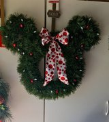 Minnie wreath battery operated lights with timer in Vacaville, California