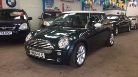 }}0{{ MINI COOPER }}0{{  2005 in Lakenheath, UK