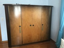 solid wood armoire from the 1950's in great condition in Baumholder, GE