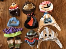 Winter hats / mittens in Westmont, Illinois