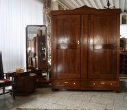 Beautiful Art Deco armoire in Baumholder, GE