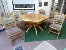 massiv oak-table + 6 solid oak chairs. Table = extendable!! in Baumholder, GE