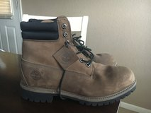 Brown men's Timberland boots 9 1/2 in Fort Hood, Texas