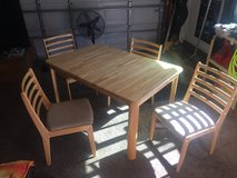 Nice Kitchen Oak Table/4 Chairs in Vacaville, California