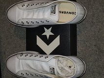 Women Leather Converse Size 10/42 euro size in Stuttgart, GE