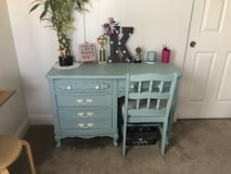 Girls desk in Oceanside, California