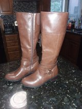 Womens brand new Boots in Travis AFB, California