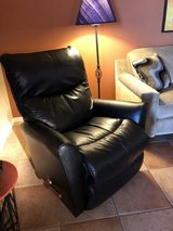 Lazyboy leather recliner in Las Cruces, New Mexico