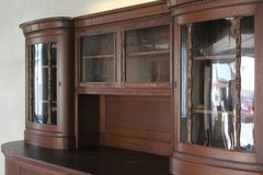 Beautiful Antique Buffet + Hutch Sideboard / China Cabinet in Baumholder, GE
