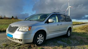 2009 Chrysler Town and Country minivan low miles (72k miles) in Wiesbaden, GE