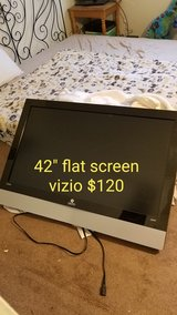 "42""tv and 3 chairs price on pics in 29 Palms, California"