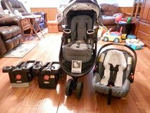Graco click connect car seat and stroller set in Warner Robins, Georgia