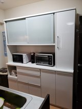 Large White Wall kitchen Cabinet - In Great Condition in Okinawa, Japan