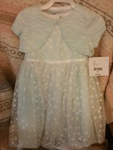 Real nice 3T dress in Pleasant View, Tennessee