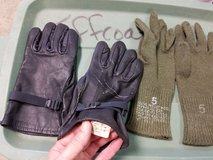 USMC BLACK LEATHER GLOVES and Green Inserts in Camp Lejeune, North Carolina