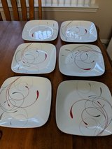 12 pc Corelle plates and bowls - like new in Eglin AFB, Florida