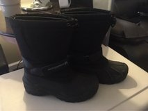 Weatherproof winter boots: men's 8M in Morris, Illinois