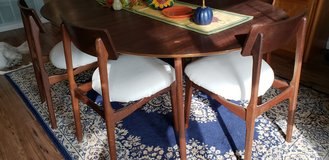 Mid Century Modern Dining Table in Oceanside, California