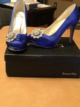 Blue shoes sz 6 in Alamogordo, New Mexico