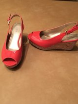 Coral wedge shoes sz 5.5 in Alamogordo, New Mexico
