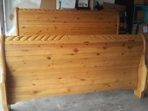 Oak bed king size in Arlington, Texas