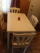 Dinning room table and chairs in Clarksville, Tennessee