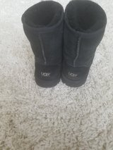 Ugg Boots - Youth Size 3 in Naperville, Illinois