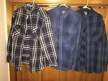 Heavyweight Flannel Large Tall - Make Offer in Shorewood, Illinois