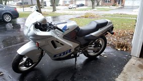 1990 cbr 600f1 in Glendale Heights, Illinois