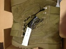 10.5 brand new boots in Camp Pendleton, California