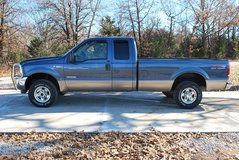 2004 f250 diesel 4x4 in Fort Leonard Wood, Missouri