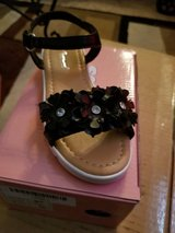 Toddler girl size 10 sandal with flowers and rhinestones in Fairfield, California