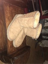Ugg's boots size 9 in Yucca Valley, California