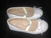 Girls Dress Shoes Size 10 in Bolingbrook, Illinois