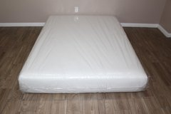 Queen size memory Foam mattress- Casper Wave Model in Spring, Texas
