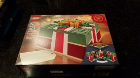 Lego #40292 Limited Edition Christmas Gift NEW in Naperville, Illinois