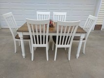 Table w 6 Chairs in Fort Campbell, Kentucky