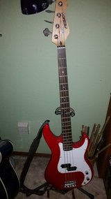 Peavey Milestone bass in Fairfield, California