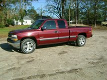 super clean low miles 02 Chevy 1500 4X4 in Camp Lejeune, North Carolina