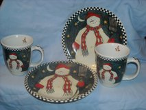 Snowman plates, sets of 3 with matching cups in Fort Riley, Kansas