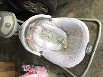 Graco baby swing in Tampa, Florida