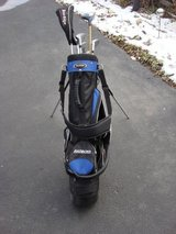 TOUR-EDGE  BAZOOKA GOLF BAG AND CLUBS in Plainfield, Illinois